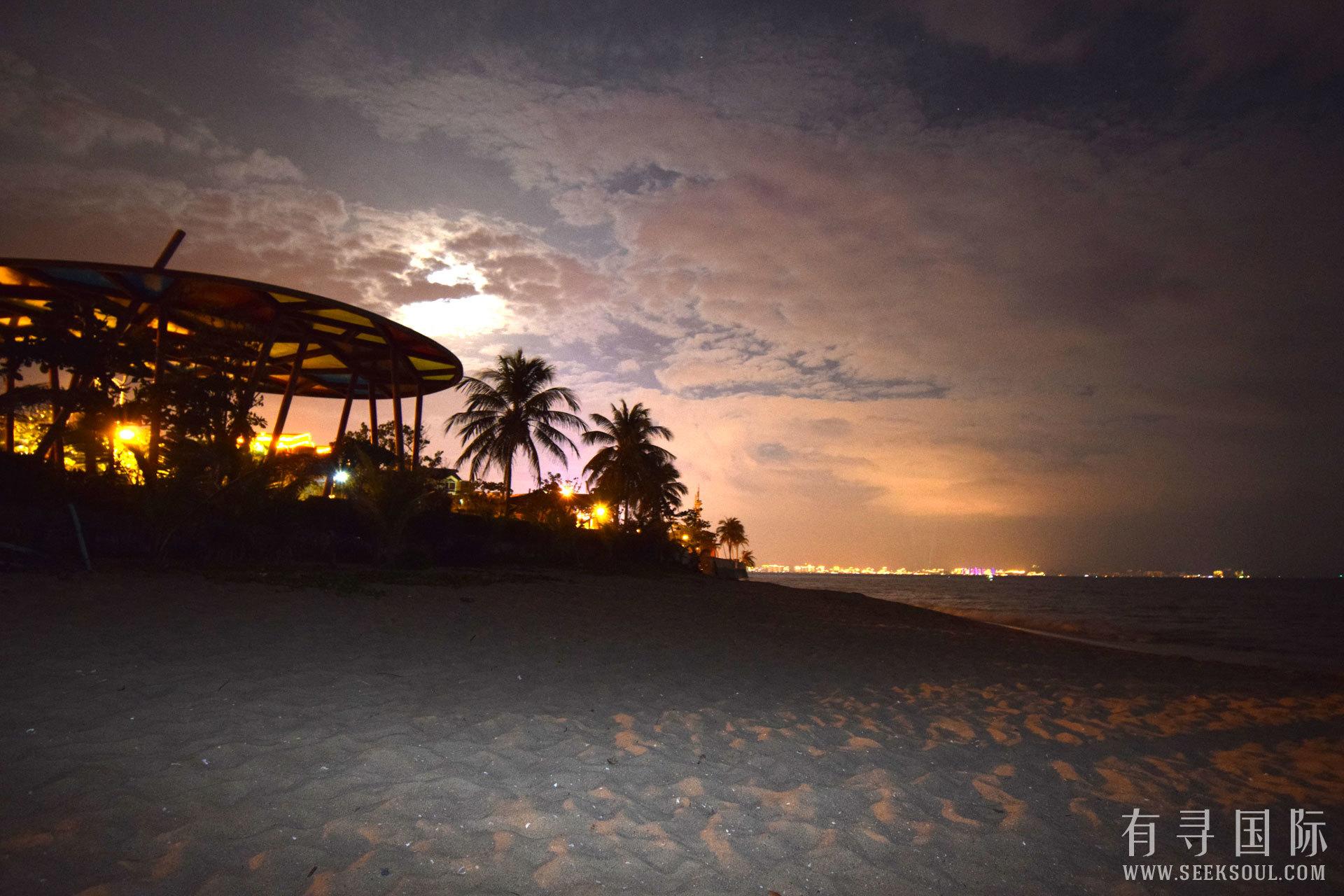 三亚湾夜景